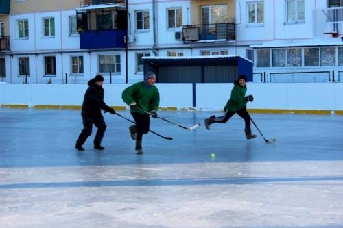 Знания – сила. В хоккейной битве учащихся и полицейских в Карталах победу одержали студенты